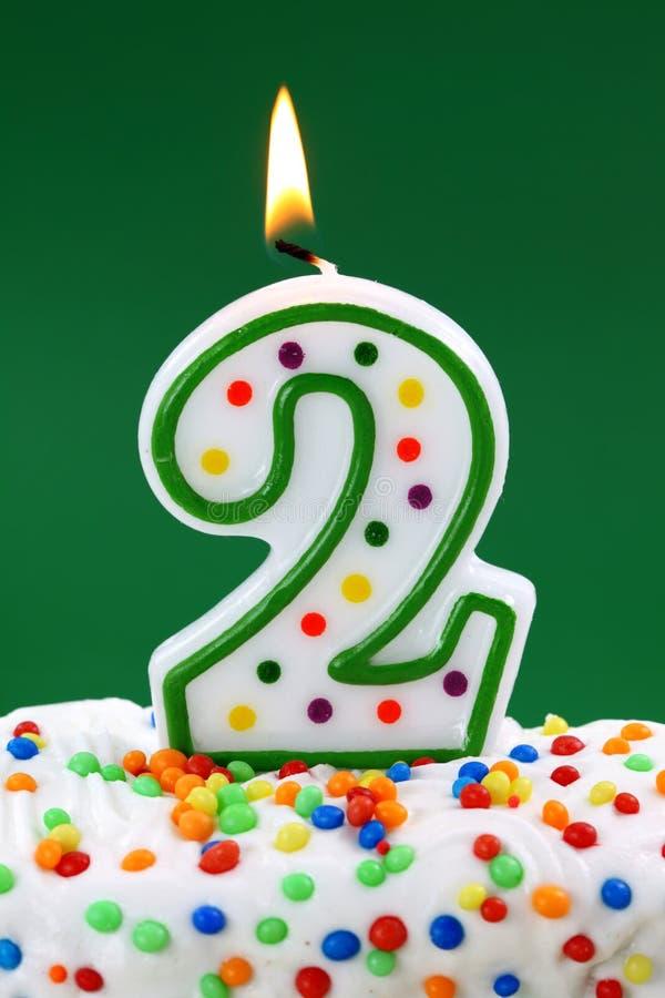 номер два свечки дня рождения стоковое фото rf