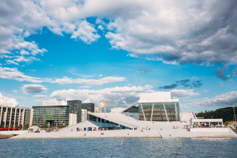 Норвегия Осло Дом оперы и балета в летнем дне стоковое изображение rf