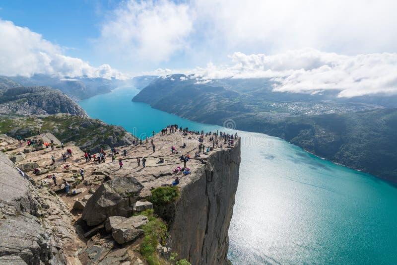 Норвегия preikestolen стоковое изображение rf