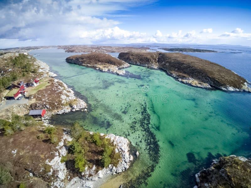 Норвежские фьорд залива и побережье, вид с воздуха стоковое изображение