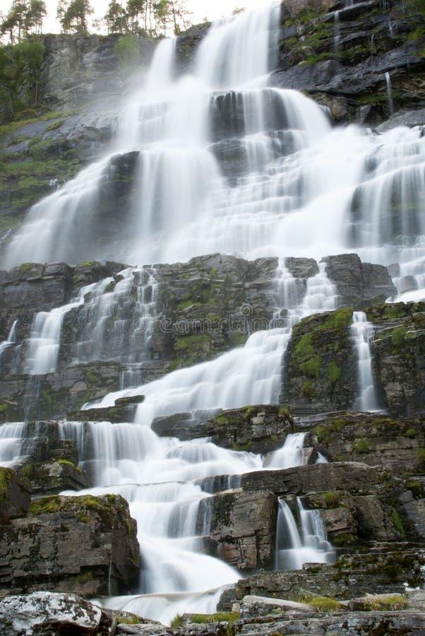 Норвежский водопад стоковые изображения rf