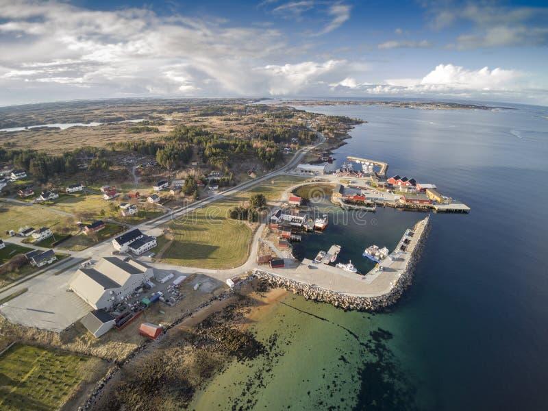 Норвежский залив на фьорде, виде с воздуха стоковые изображения