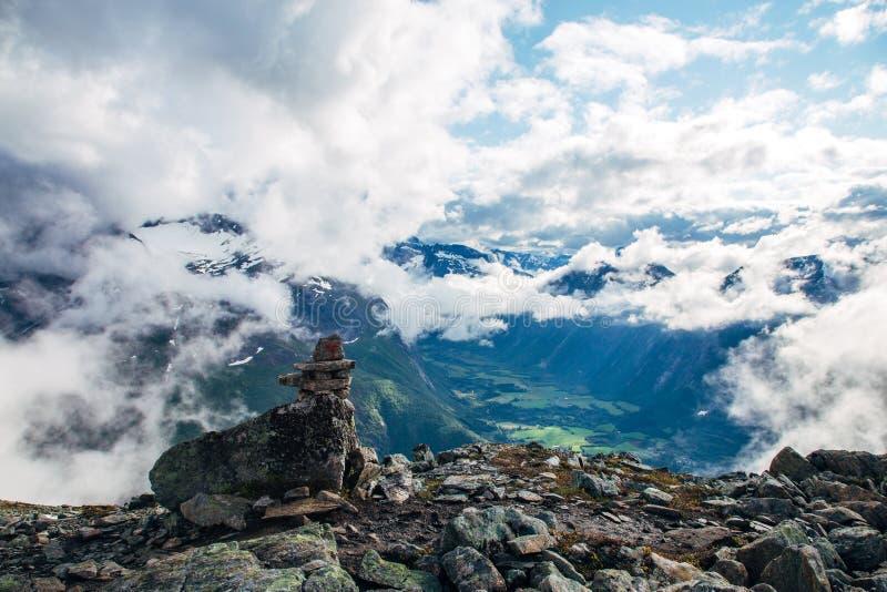 Норвежский пеший туризм стоковые изображения rf