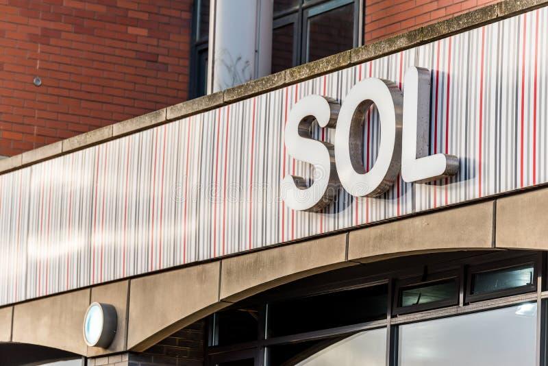 Нортгемптон Великобритания 5-ое января 2018: Логотип SOL подписывает внутри Northampton Town центризует стоковые фотографии rf