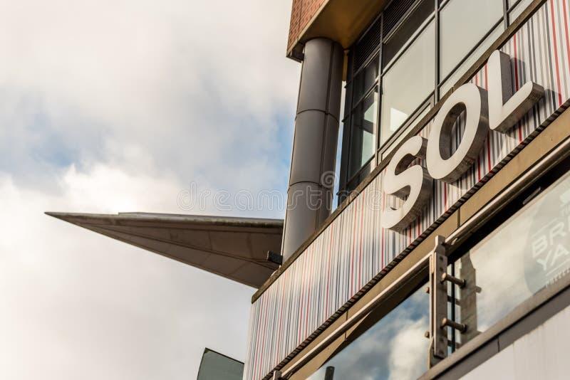 Нортгемптон Великобритания 5-ое января 2018: Логотип SOL подписывает внутри Northampton Town центризует стоковые изображения rf