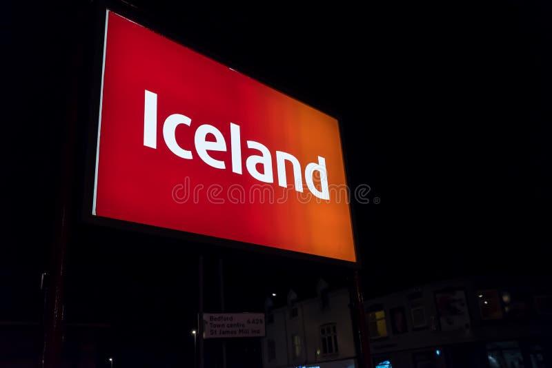 Нортгемптон Великобритания 3-ье октября 2017: Логотип Исландии подписывает внутри Northampton Town центризует стоковое фото