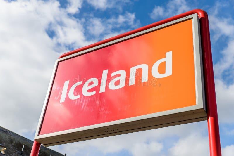 Нортгемптон Великобритания 3-ье октября 2017: Логотип Исландии подписывает внутри Northampton Town центризует стоковое изображение rf