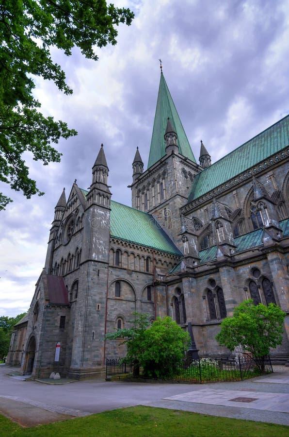 Норт-Сайд здания собора Тронхейма стоковое фото