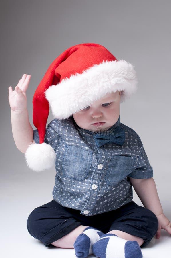 носить santa шлема ребёнка стоковые изображения rf