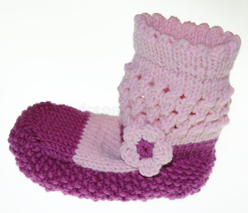 Носки младенца девушек, носки, gestrick в пинке стоковое фото rf