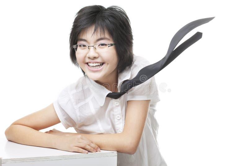 носящий очки в стиле фанк geeky усмешка девушки toothy стоковая фотография