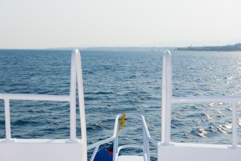 Скачать звуки плавания