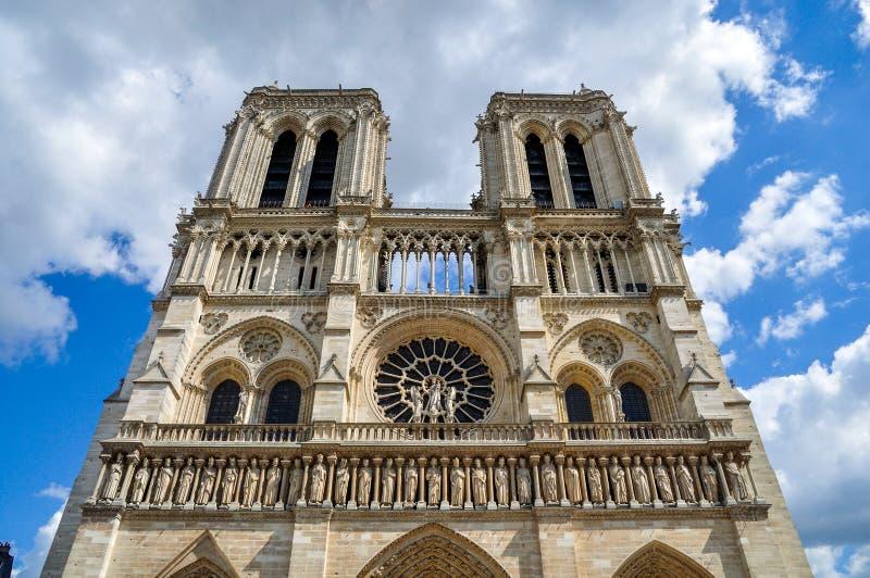 Нотр-Дам de Париж в мае 2014 стоковое фото rf