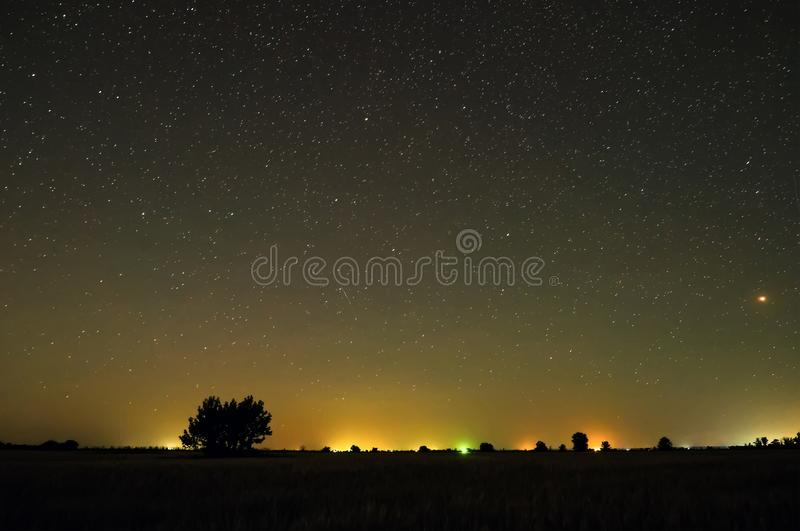 Ноча в сельской местности стоковое изображение rf