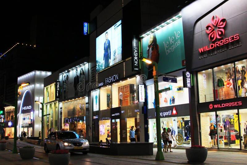 Ноча в торговой улице Кореи Пусана стоковое фото rf