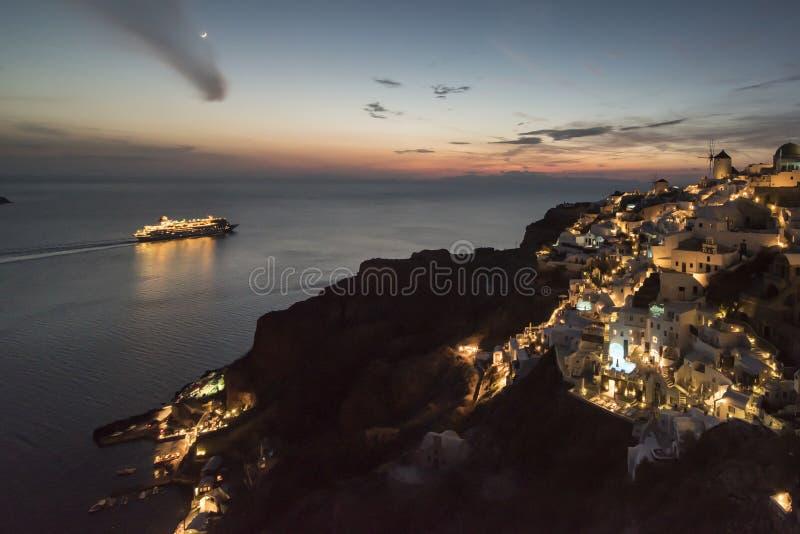 Ноча в Santorini стоковые изображения rf