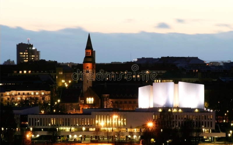 ноча залы finlandia стоковые фотографии rf