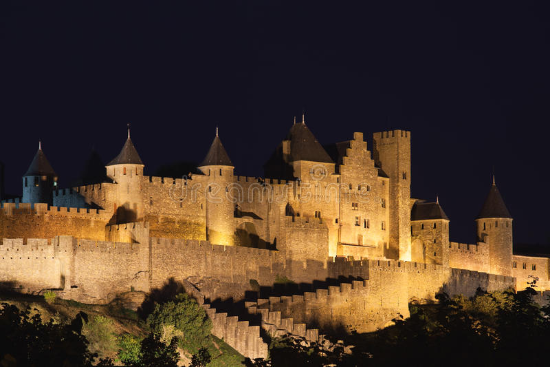 ноча замока carcassonne стоковое фото