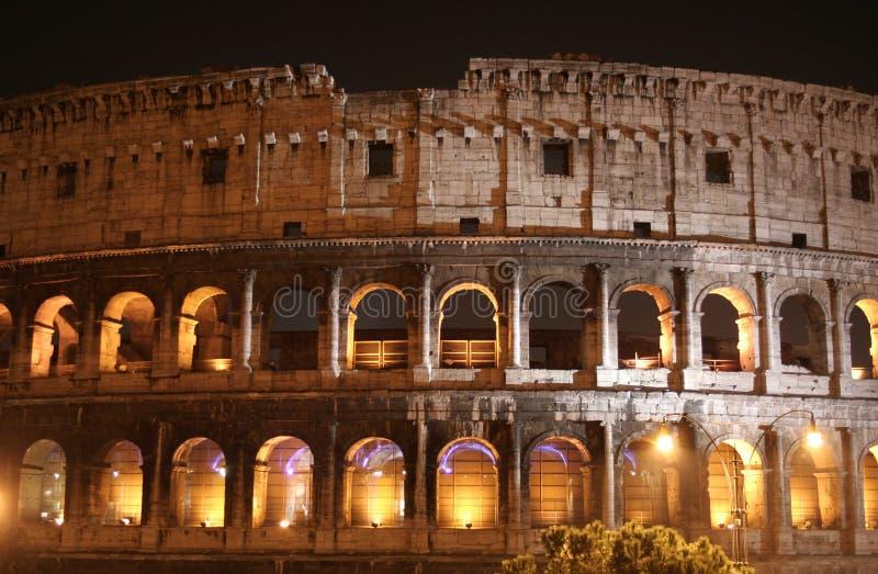 Ноча Колизея (Colosseo - Рим - Италия) стоковое изображение rf