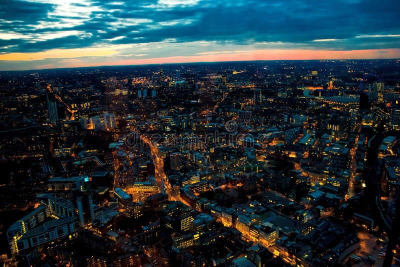 Ноча Лондона смотря западный глаз Лондона, Ватерлоо, Battersea стоковое изображение