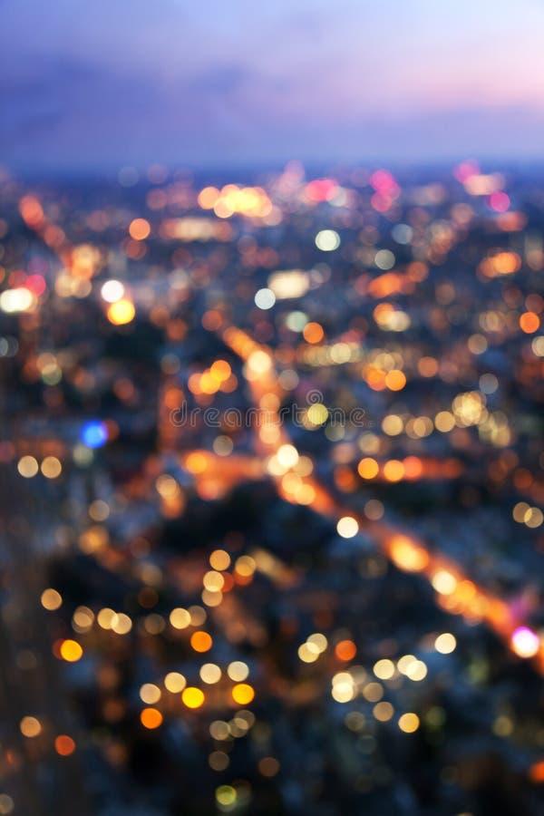 Ноча Лондон Bokeh (из фокуса), взгляд от черепка стоковое изображение rf