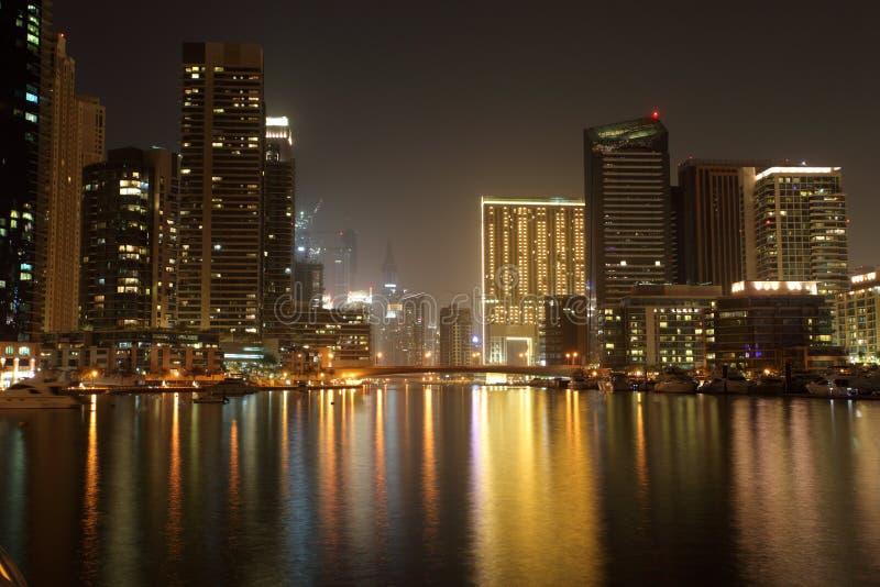 ноча Марины Дубай стоковые фото