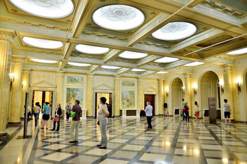 Ноча музеев в Бухаресте - Национальном музее искусства Румынии стоковое изображение