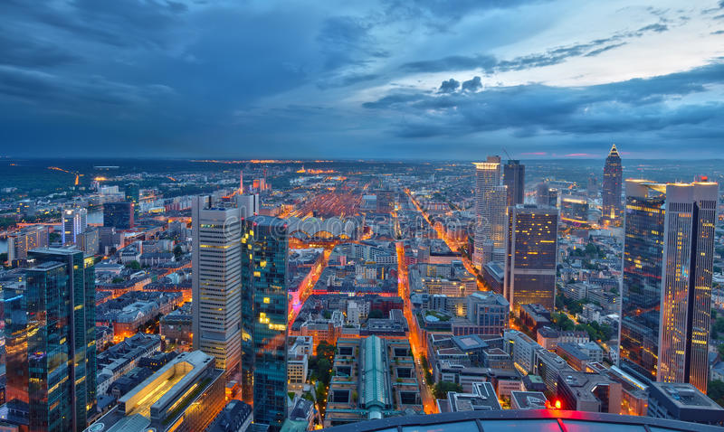 ноча основы frankfurt стоковые изображения rf