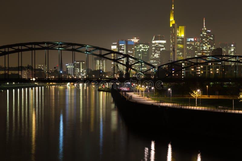 ноча основы frankfurt стоковые фото
