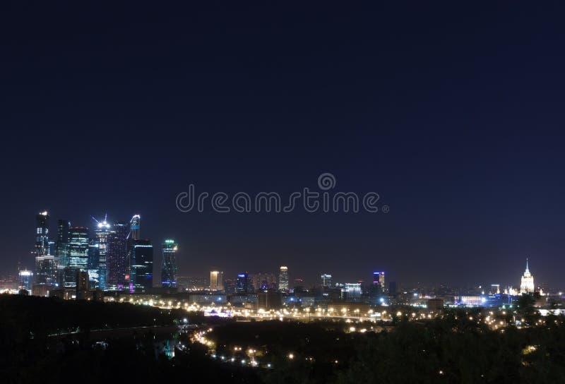 Ноча панорамы Москвы стоковая фотография