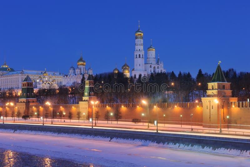 ноча Россия kremlin moscow ансамбля стоковые изображения rf