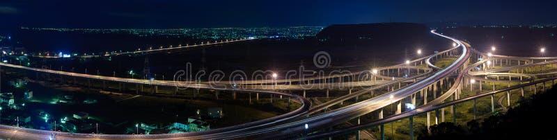 ноча скоростного шоссе городского пейзажа панорамная стоковые фото