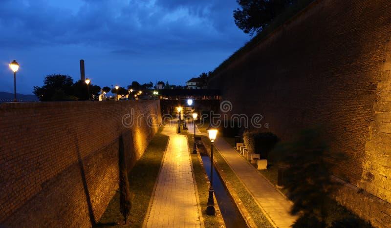 Ноча уличного фонаря стоковое изображение