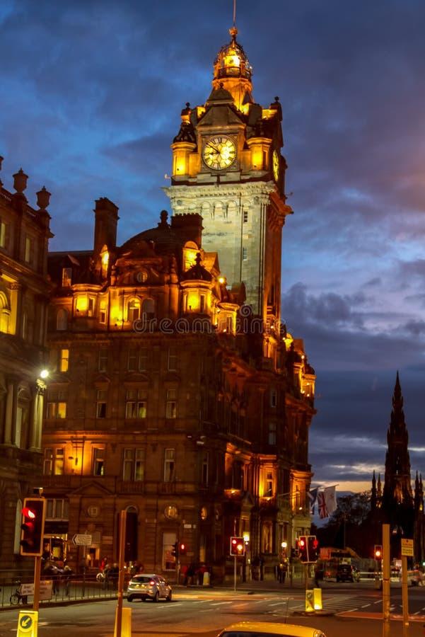 Ноча Эдинбург Дворцы и замки Эдинбурга, столица Шотландии город старый Улицы и здания Эдинбурга стоковая фотография rf