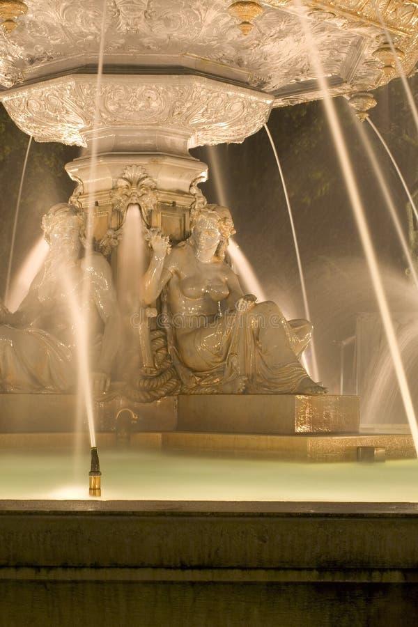 ноча 4 фонтанов стоковые изображения rf