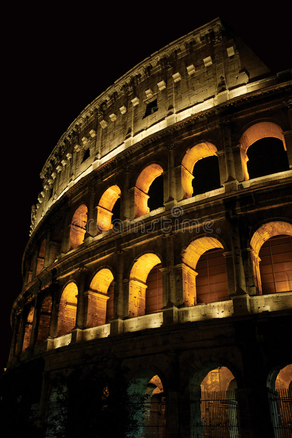 ноча colosseum стоковая фотография