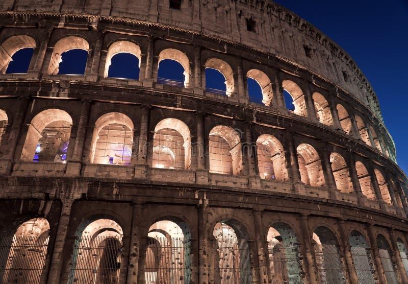 ноча colosseum стоковая фотография rf