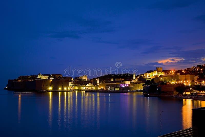 ноча dubrovnik стоковая фотография rf