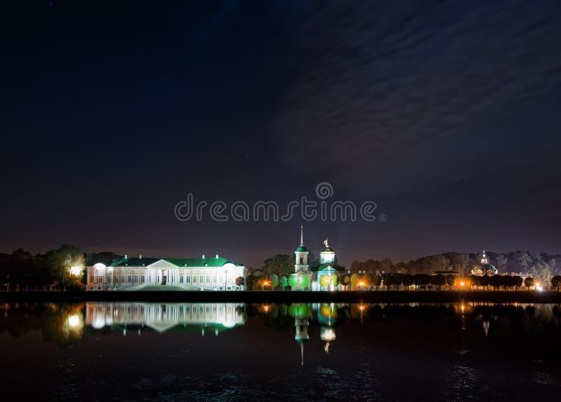 ноча kuskovo имущества стоковая фотография rf
