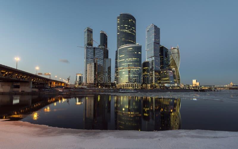 ноча moscow города делового центра стоковые фото