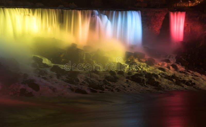 ноча niagara светов падений стоковое изображение
