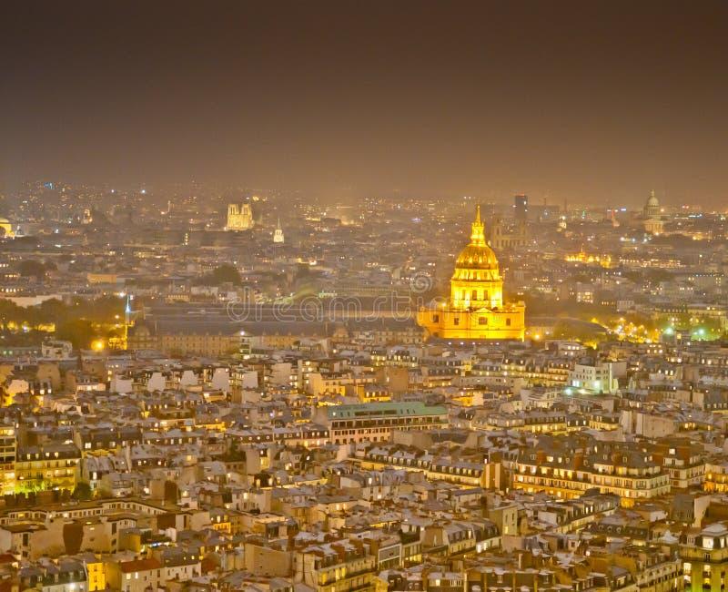 ноча paris стоковое изображение rf