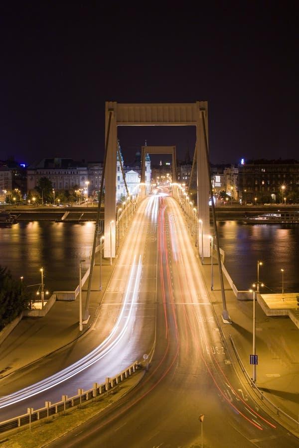 ноча s elisabeth моста стоковые изображения