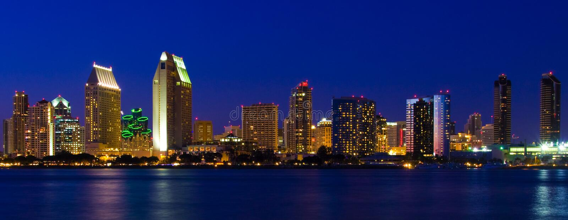 ноча san гавани сумрака diego coronado залива городская стоковое изображение