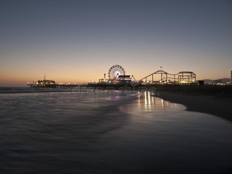 ноча santa monica пляжа стоковое фото rf