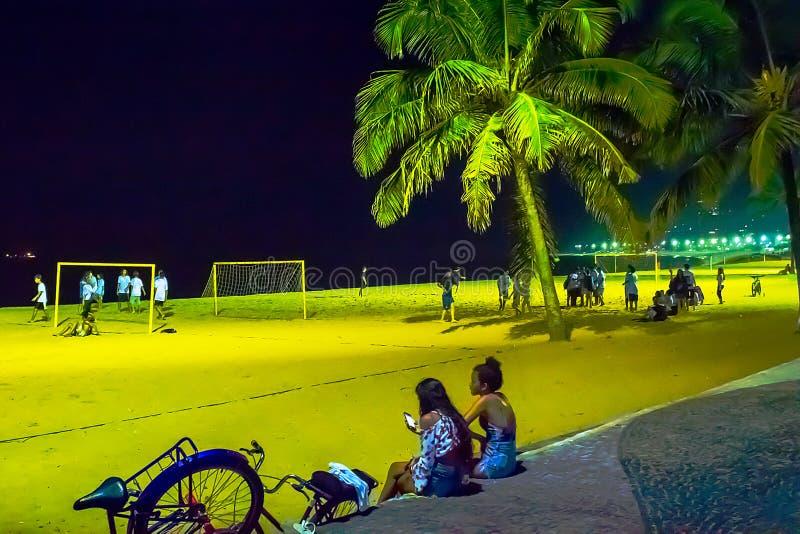 Ночная жизнь в пляже Косты da Прая, Vila Velha, положении EspÃrito Santo, Бразилии стоковая фотография rf