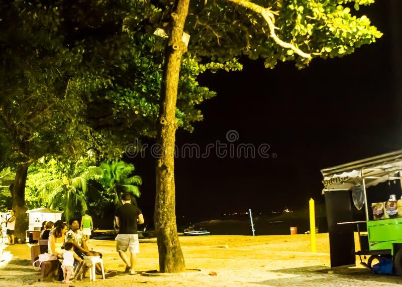 Ночная жизнь в пляже Косты da Прая, Vila Velha, положении EspÃrito Santo, Бразилии стоковое фото rf