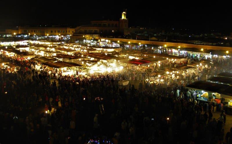 Ночная жизнь квадрата Jemaa el Fna стоковое фото