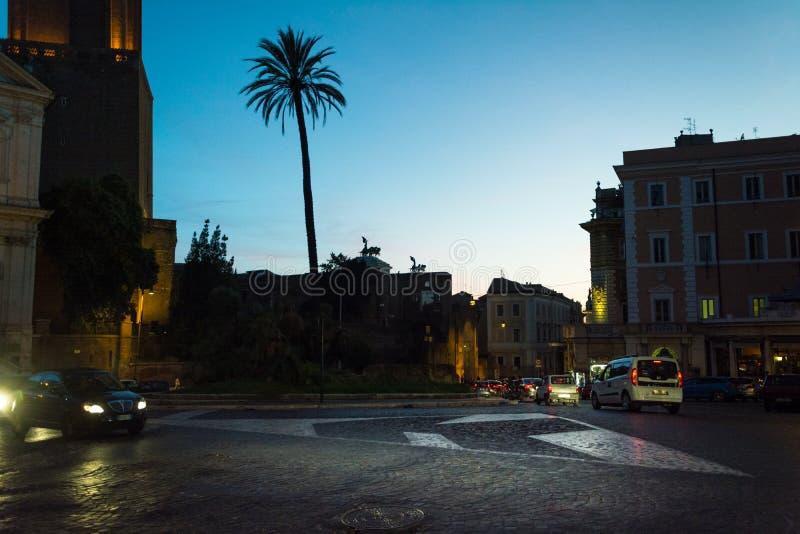 Ночной вид на Торре-дель-Милизи стоковые изображения