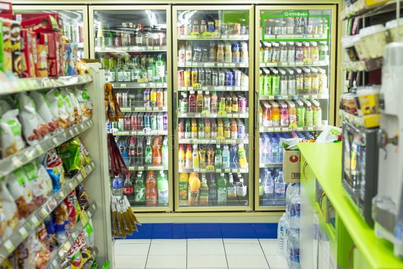 Ночной магазин стоковые изображения